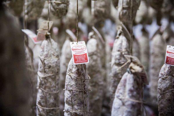 La stagionatura dei salami piacentini di Grossetti
